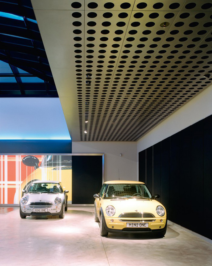 bmw-mini-showroom-001.jpg